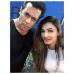 Daisy Shah, Shalmankhan, handsome, selfie