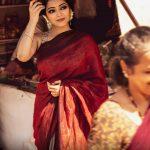 Janani Iyer, Bigg Boss 2 Tamil, saree