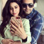 Jayam Ravi, Aarthi, Mirror Selfie, Coolers, Hug