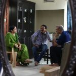 Kaatrin Mozhi, jyothika, shooting spot, green saree, mirror view