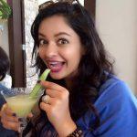 Pooja Kumar, Vishwaroopam 2 Heroine, Juscie, Smile