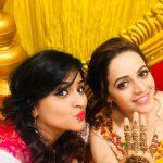 Remya Nambeesan, selfie with bhavana, marriage still