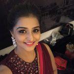 Remya Nambeesan, smile, selfie