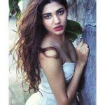 Sonakshi Singh Rawat, sensual