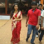 Vedhika in red saree visiting a temple  (4)