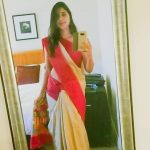 actress kaniha   in saree mirror selfie (36)