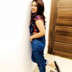bhumi pednekar  jean dress (30)