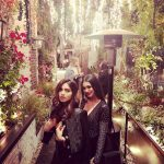 bhumi pednekar  photo with friend in Garden (26)