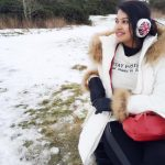 rachitha dinesh mahalakshmi Saravanan Meenakshi actress, instagram and travel photos  (3) in white  winter wear in UK snow