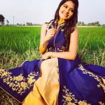 rachitha dinesh mahalakshmi Saravanan Meenakshi actress, instagram and travel photos  (33)blue churidar in farm