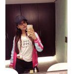 Ashna Zaveri, mirror selfie, lipsstick