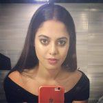 Bindu Madhavi, makeup room