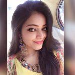 Janani Iyer, high quality, eye, selfie