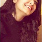 Janani Iyer, smile, hair style, unssen