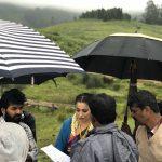 Neeya 2, Raai Laxmi, hills