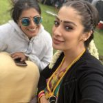 Neeya 2, Raai Laxmi, selfie, Varalaxmi Sarathkumar