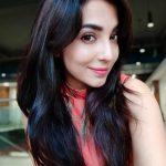 Parvatii Nair, high quality, selfie, neerali