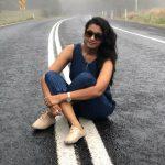 Priya Bhavani Shankar, road, sit, full size