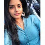 Riddhi Kumar, selfie, car, lover movie actress