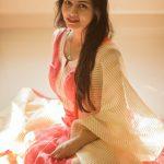 Suza Kumar, sit, adorable