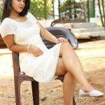 Yamini Bhaskar, style sitting