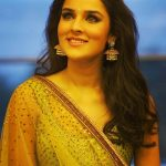 angira dhar golden look