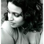 swara bhasker  black and white photos tee shirt  (3)