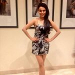 swara bhasker  frock flowered  (2)