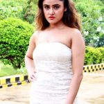 Aaruthra, press meet, Soni Charishta, white dress