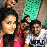Anupama Parameswaran, recent, selfie, family, amma