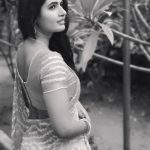 Ashima Narwal, Top Glamour Looks, black and white, back side
