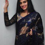 Avanthika Mohan,  Rajavin Paarvai Raniyin Pakkam, black saree, hip show