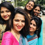 Dhivyadharshini, selfie, friends