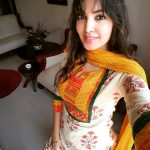 Komal Jha, Glamour Actress, chudithar, selfie