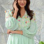 Lakshmi Manchu, Kaatrin Mozhi actress, new tamil actress