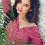 Leema Babu, Yaazh actress, pink dress