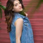 Mehrene Kaur Pirzada, Nota actress, side pose, movie promotion