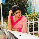 Nithya Ram, Killadi Kids, red saree, shooting spot