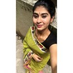 Nithyashree, singer, vijay tv, green saree, selfie