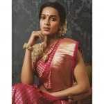 Sanchana Natarajan, Nota Actress, treditional, red saree