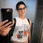 Sunny Leone, selfie, mirror