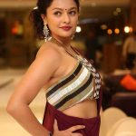 Tamil New Glamour Actress, pooja kumar, side view