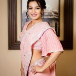 Top tamil glamorous Actress, Catherine Tresa, side hip