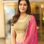 Trending Tamil Heroines, Raashi Khanna, half saree