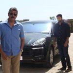 Adanga Maru, Jayam Ravi, black car