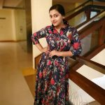 Anu Sithara, Johny Johny Yes Appa Actress, appartment, new look