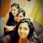 Janani Iyer, friends, girls, selfie, bigg boss 2 tamil