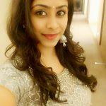Priyaa Lal, Genius, saree, selfie, hair style