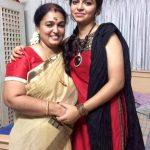 Raveena Ravi, Kaavalthurai ungal nanban Heroine, amma