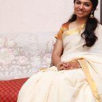 Raveena Ravi, Kaavalthurai ungal nanban Heroine, kerala saree